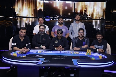 The eight-handed final table