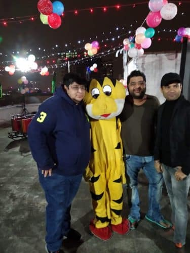 Amber Nayyar with friends
